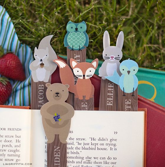 Free personalized, printable woodland creature bookmarks!  - Great for language teachers!