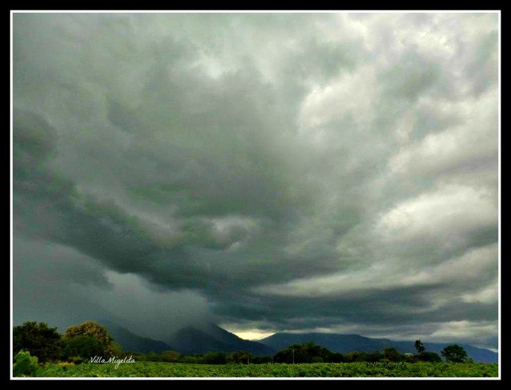 Storm coming in over the Valle del Cauca , Colombia South America