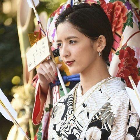 E-girls Flower 藤井萩花