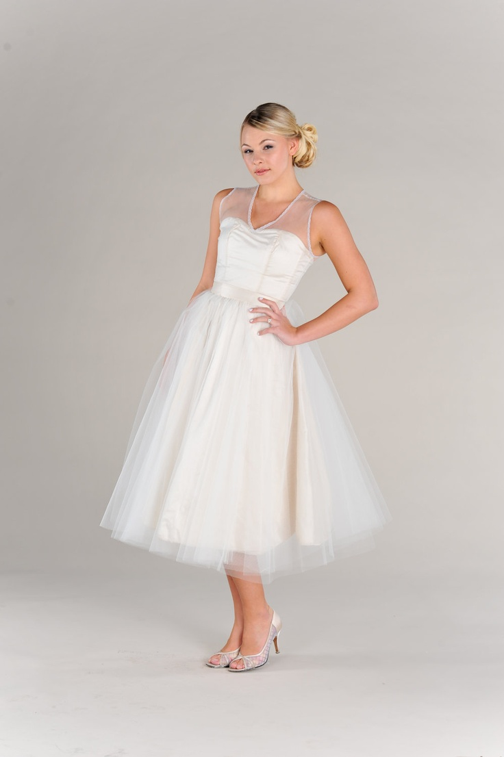 Short vintage wedding dress 50s style strapless full for 50s inspired wedding dress
