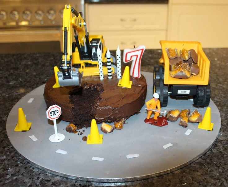 Construction cake I made for my husbands birthday. #construction #cake
