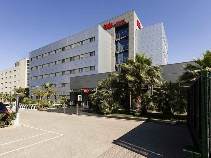 """IBIS VALENCIA BONAIRE AIRPORT: """"The ibis Valencia Bonaire hotel has an ideal location for your business or leisure trips. Near the large…"""