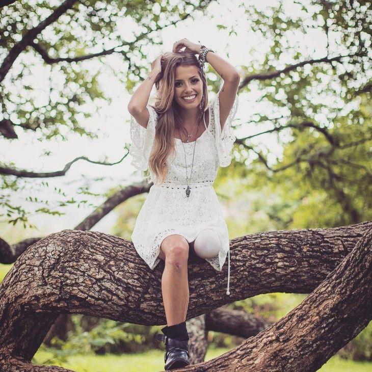 Paola Antonini, belleza y actitud en una pierna | Conocela