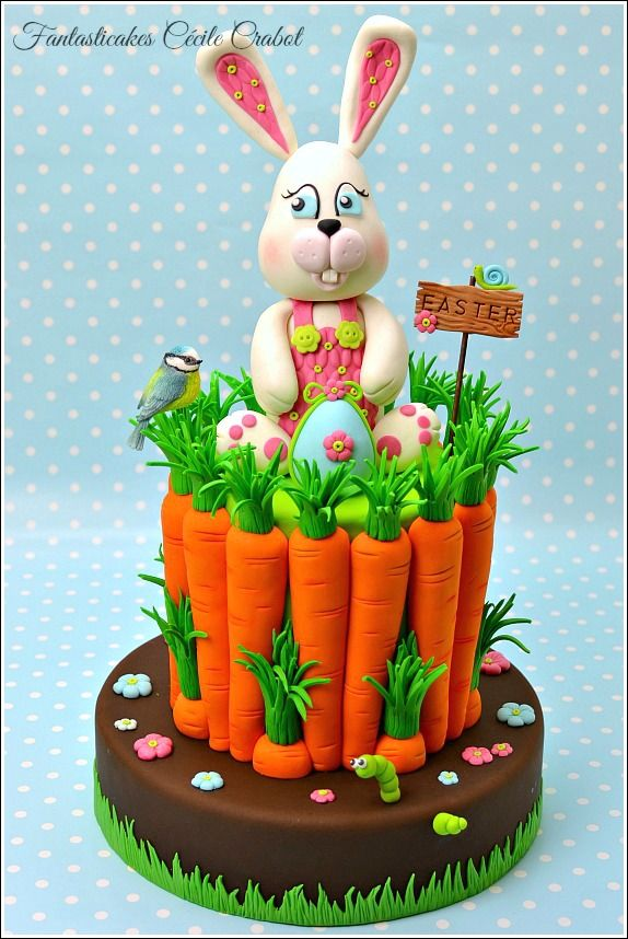 Easter Bunny and Carrots Cake - I make this Easter cake and tutorial for the italian magazine Cake Design, speciale Pasqua. Bunnies are my favorite animals for Eater so I decided to make once more a bunny for this new tutorial, and for the cake a found a funny idea to propose a carrot cake with carrots. Happy baking and decorating!!