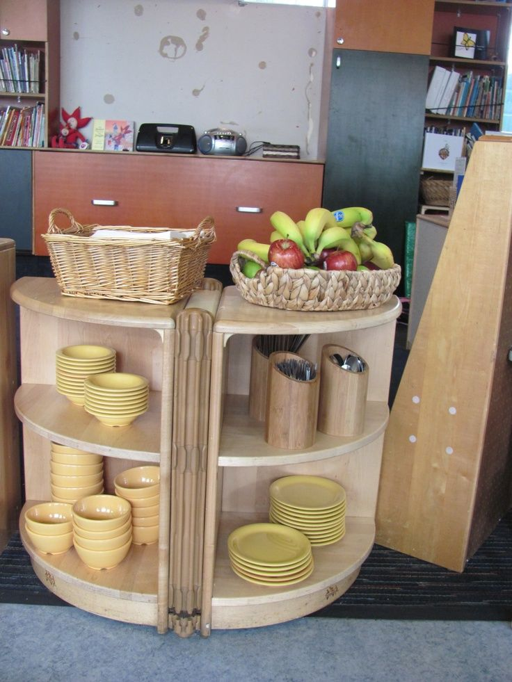 This is one of the Bright Ideas shared from a Bright Horizons early education and preschool program. Always available, self-serve healthy snacks teach healthy eating habits from the start!