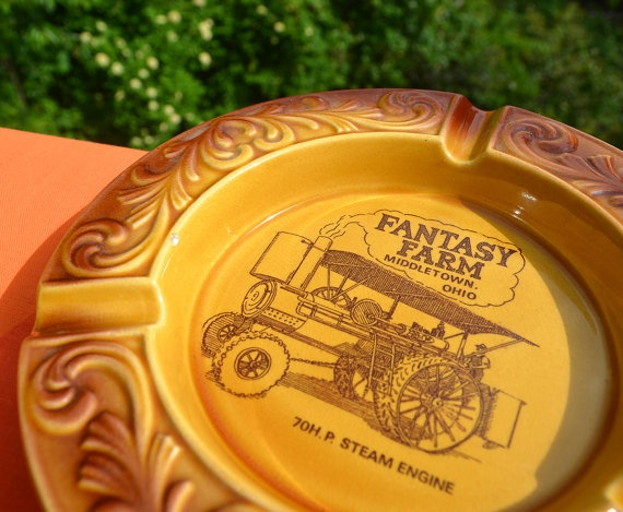 70s vintage ash tray FANTASY FARM middletown ohio amusement park ceramic steam engine ashtray