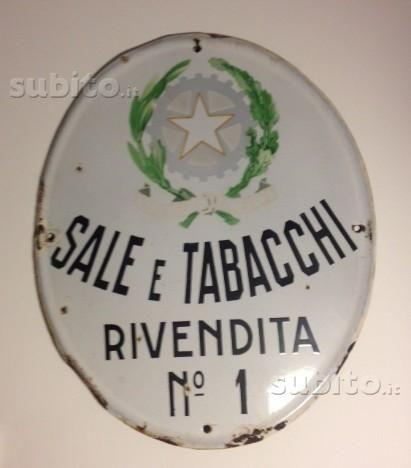 Insegna originale Sali e tabacchi rivendita n 1, con stemma, in metallo smaltato formato oblungo