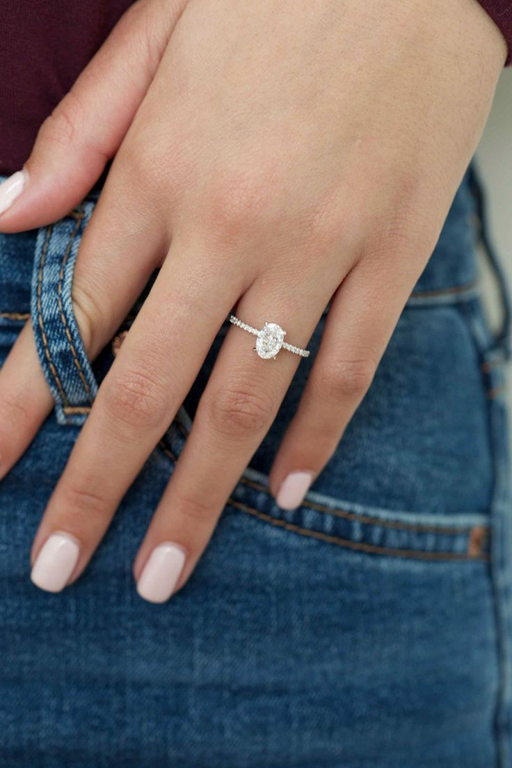 Love This Oval Engagement Ring In White Gold To Diamond Side Stones 1 45 Kara Wedding Rings Oval Engagement Rings Oval Oval Engagement