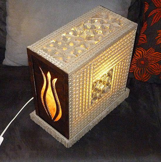 vente bijoux lampes cadres et objets en carton les lampes d 39 ambiances en carton et en. Black Bedroom Furniture Sets. Home Design Ideas
