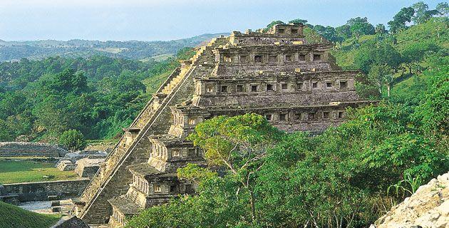 El Tajín ... (La ciudad del dios del trueno, antigua capital totonaca) #Veracruz, México