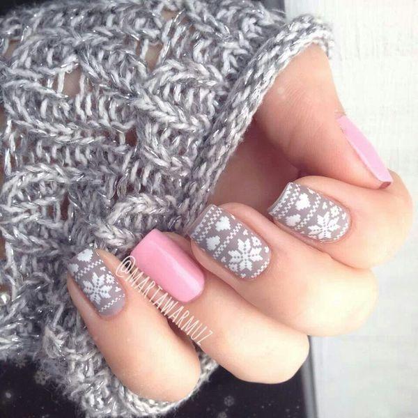 ya se acerca la navidad disfrutala uñas estilo navideño :)
