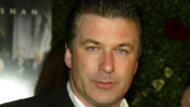 Alec Baldwin's Words With Friends Addiction Gets Him Booted Off Plane