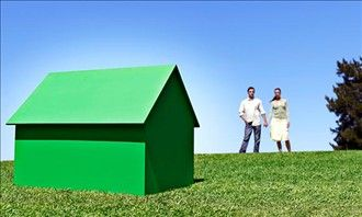 Here's what to look for if you want to purchase a house that's environmentally friendly.