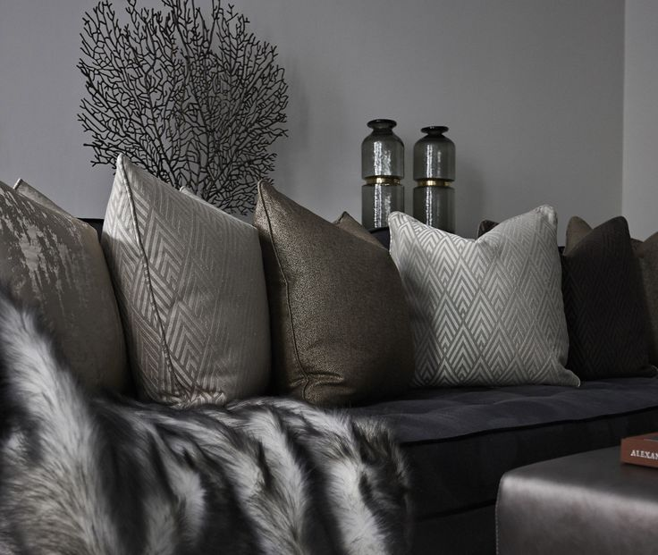 Soft Furnishings and Bespoke Artwork Make This Knightsbridge Apartment True Luxury