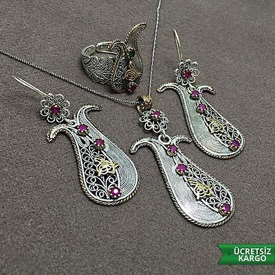 Lale Model Yakut Taşlı 925 Ayar Oksitli Elişi Gümüş Telkari Üçlü