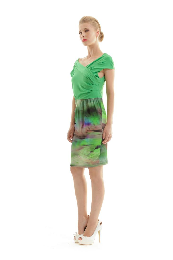 Your dress will never look boring!! Solid green color at the top and printed bottom, will make your dress look with two pieces look. Shop online in the link below. #green #two #piece #dress #emerald #conquista #fiftyshadesofgreen