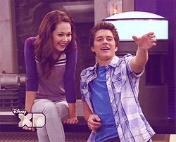 Billy Unger And Kelli Berglund Tumblr