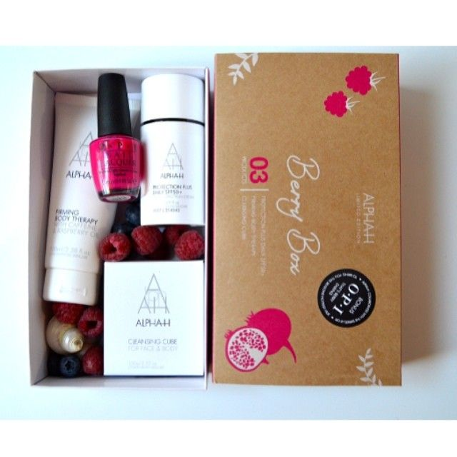BERRY BOX! This is a super fun and great gift box! SUMMER SUMMER SUMMER feel