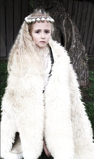 Nordic princess - flower girl