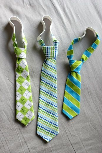 I need a boy to make these for! A pinner said: Cute toddler neck tie tutorial - I've made ties before and I am NO sewing guru. The hardest part was making the velcro strap around the neck. This pattern should be much easier because it is just elastic.
