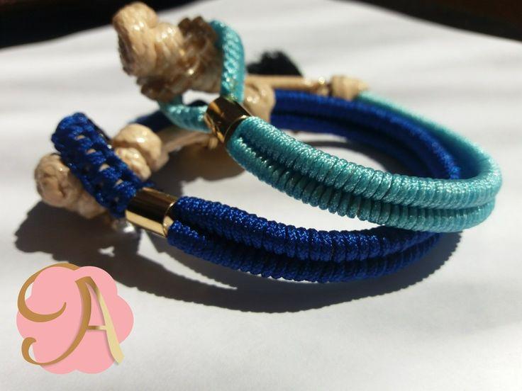 Pulseras hechas a mano tejidas con detalle en oro laminado.  #Pulseradedama #pulsera #tejido #mujer #bisuteria #blue #azul #Artccesorios #MenteCreativaManosTrabajando #Amorhechoamano #handmade
