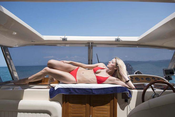 Eileen triangle bikini with hand made braid details. The perfect tanning bikini :)