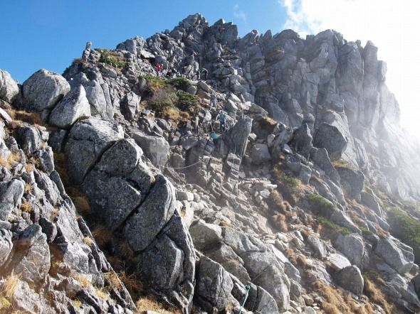 花崗岩の凍結破壊作用。宝剣岳|中央アルプス登山ルートガイド。Japan Alps mountain climbing route guide