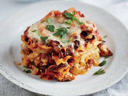 We were surprised and delighted by how well Slow Cooker Sausage and Squash Lasagna cooks up in the slow cooker. Be sure to use traditional noodles, and place them in the cooker uncooked. We tried the lasagna with specially formulated no-bake noodles, and they didn't work as well.