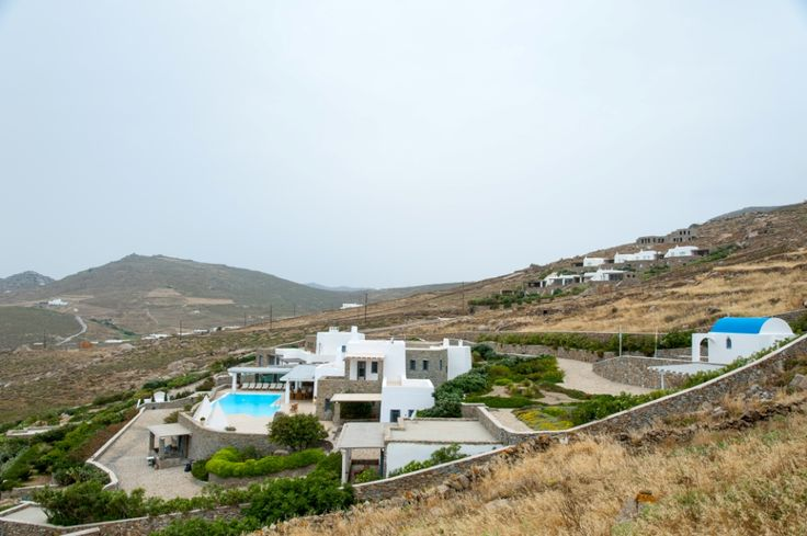 Panoramic view of the Villa.
