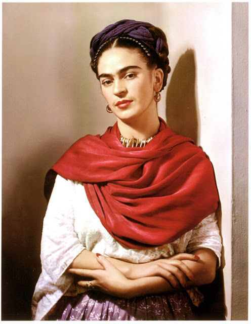 vintage everyday: 23 Beautiful Color Photos of Frida Kahlo
