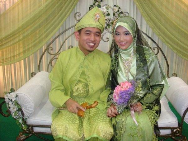 look at wedding dress :)