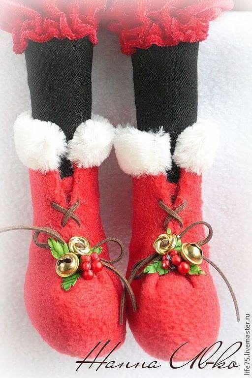 Patrón para hacer estos simpáticos muñecos para decorar la Navidad. Papá Noel con su inseparable amigo reno.