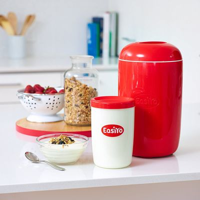 Manually make yummy yoghurts without the need of electricity by using the The EasiYo Yogurt Maker. It's so easy even kids can make it and love it.