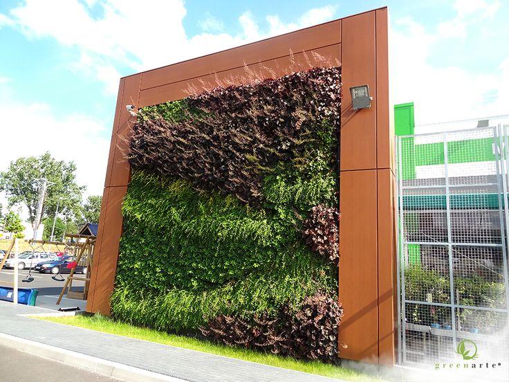 Zielona ściana na obiekcie Leroy Merlin od Greenarte - sierpirń 2014