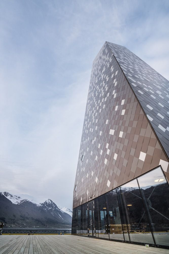 Norwegian Mountaineering Center in Åndalsnes. Architects: Reiulf Ramstad Architects.