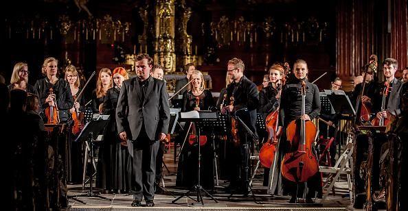 Orkiestra Kameralna l'Autunno / pod batutą Adama Banaszaka  / Nostalgia 2014 / fot. Maciej Zakrzewski