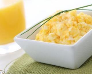 Oeufs brouillés pour petit déjeuner protéiné : http://www.fourchette-et-bikini.fr/recettes/recettes-minceur/oeufs-brouilles-pour-petit-dejeuner-proteine.html