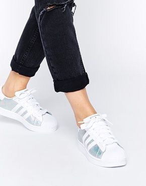I'm loving the come back of the Adidas Originals Superstar! Check these metallic inserts though - how cool are they?! Send a pair my way please!