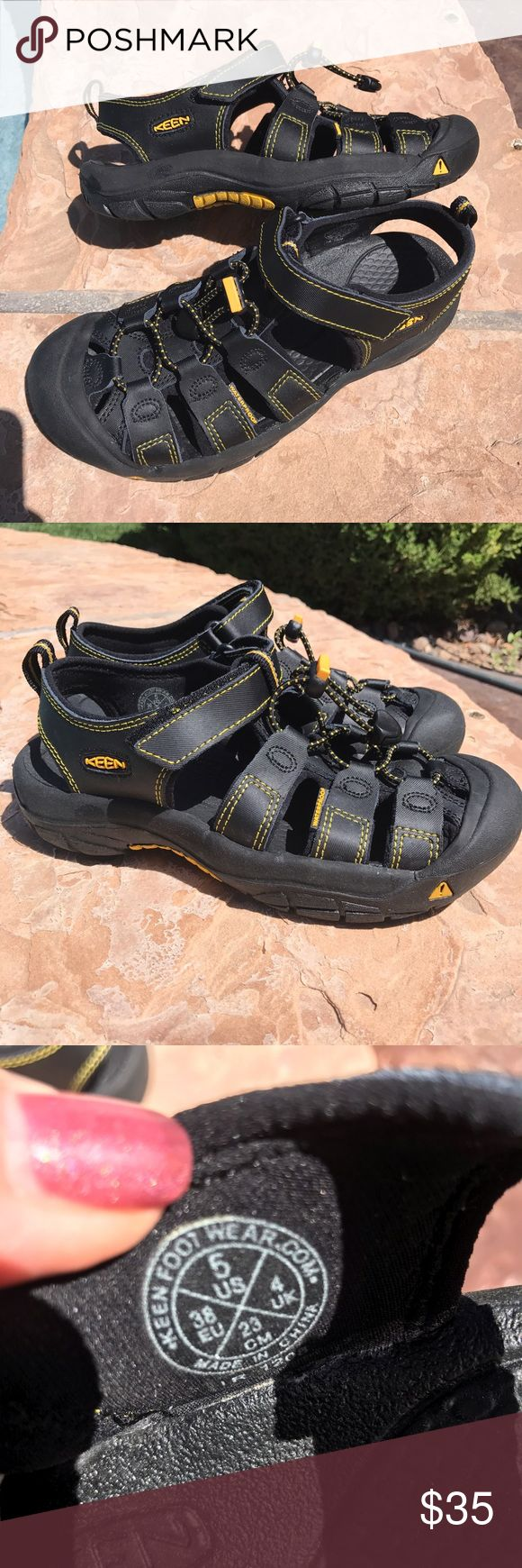 Sandals or shoes for hiking - Keen Waterproof Hiking Sandals Men 5