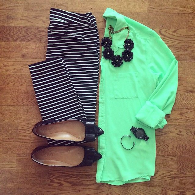 Green Shirt, Old Navy Pixie Pant, J.Crew Emery Bow Flats | #workwear #officestyle #liketkit | www.liketk.it/1ksKE | IG: @whitecoatwardrobe