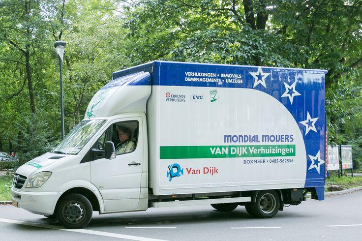 """De """"kleine"""" verhuiswagen van Mondial Van Dijk Verhuizingen, de vriendelijke verhuizer uit Beugen."""