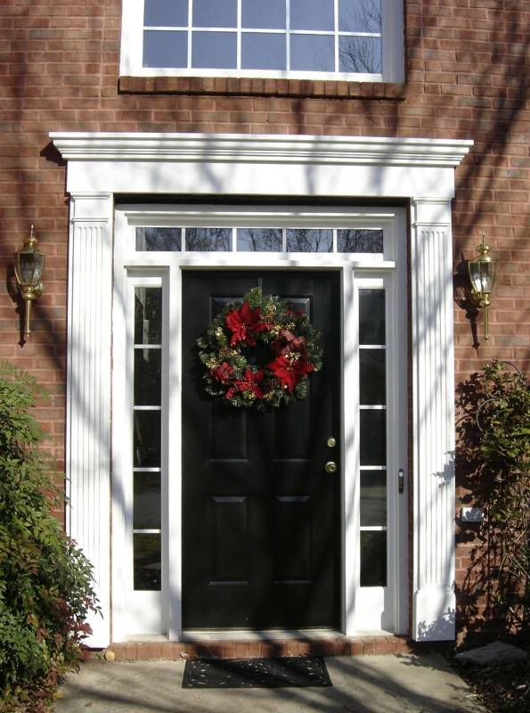 The 25 best entry door with sidelights ideas on pinterest exterior doors with sidelights for Black exterior door with sidelights