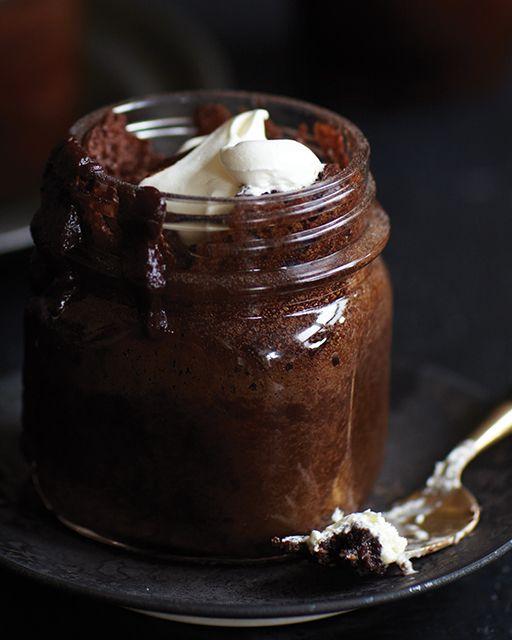 Spiked Chocolate Rum Cake in a Jar - #Chocolate #sweetpaul