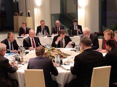A la recherche du bouc émissaire Thierry Meyssan 20 octobre 2016 url de l'article original: http://www.voltairenet.org/article193805.html À Berlin, l'Allemagne, la France, la Russie et l'Ukraine ont tenté de débloquer les conflits ukrainien et syrien....