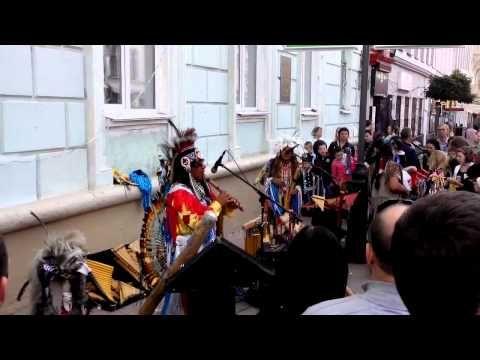 День города в Н.Новгороде 2015.Этническая музыка в исполнении индейцев