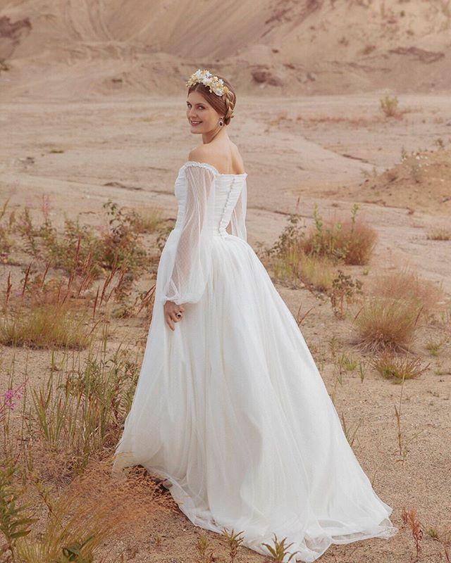 Wedding Gowns Accessories Heilibridal Period Inspired Off Shoulder Wedding Dress Wedding Gown Accessories Urban Wedding Venue Off Shoulder Wedding Dress