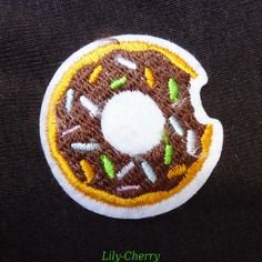 Patch écusson brodé thermocollant mini donuts sweet kawaii x1