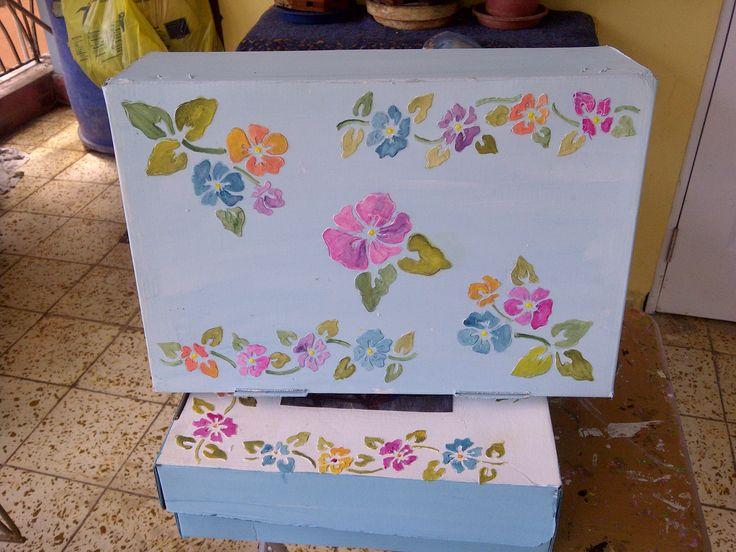Reciclando caja de cartón