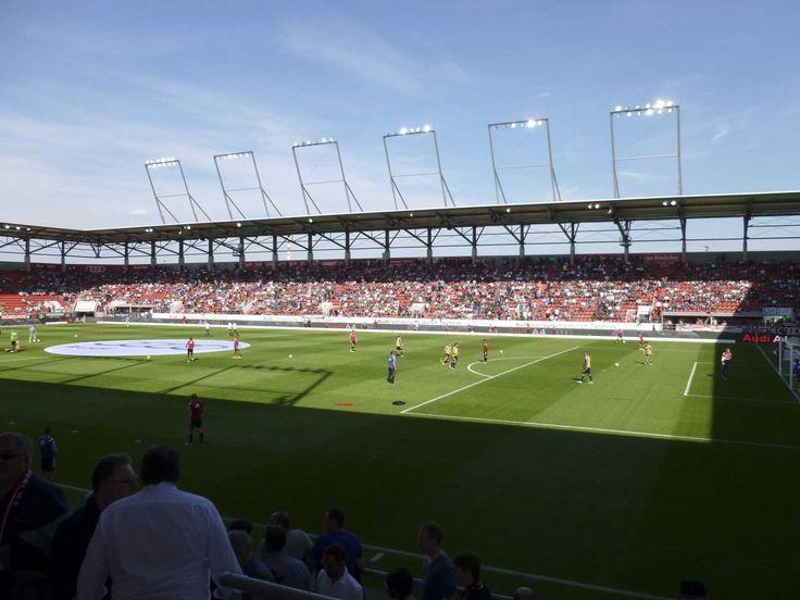 @Ingolstadt04 Der Audi Sportpark ist neben dem ESV-Stadion in der Bezirkssportanlage Südost und der Bezirkssportanlage Mitte (MTV-Stadion) eines von drei großen bekannten Fußballstadien in Ingolstadt. Die Kosten für den Bau betrugen ungefähr 20 Mio. Euro #9ine