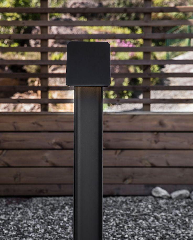 Bend er en helt ny utendørsfamilie av vegg- og frittstående belysning, designet av Poul Treiner med et moderne og diskret uttrykk.